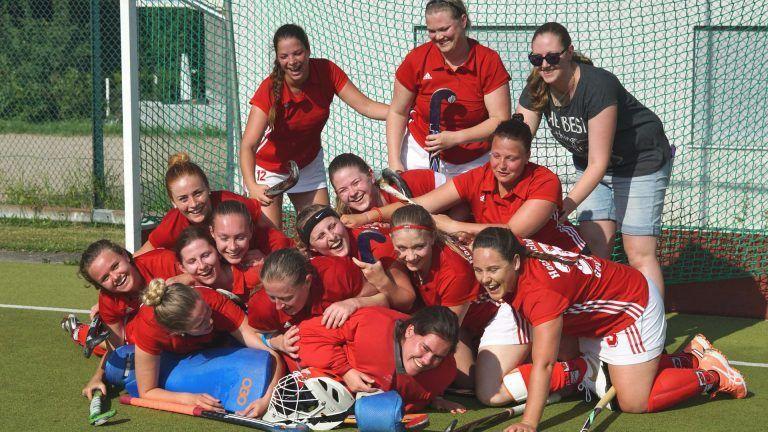 Hockey Mannschaft Gruppenbild Damen Sieg