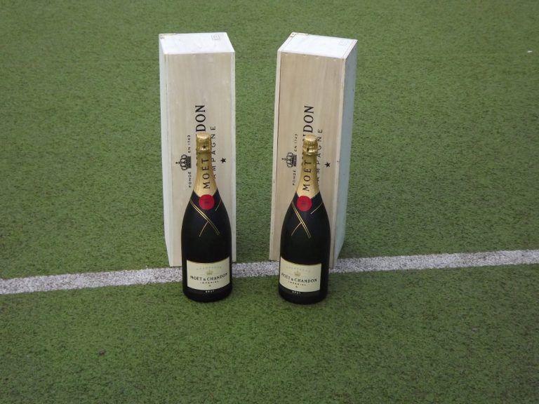 Hockey Pokal Pfingsten Champagner
