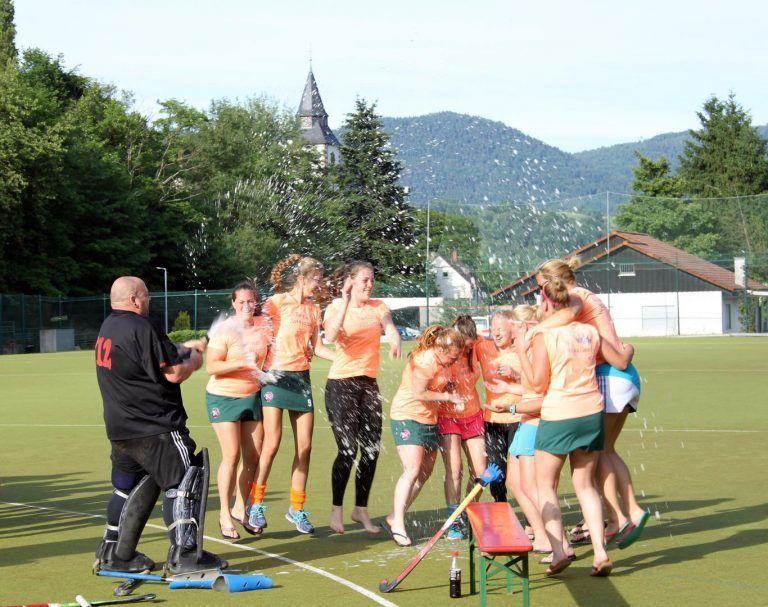 Hockey Pfingsten Feiern